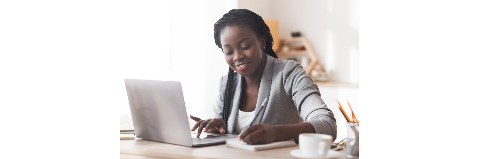 Le Président kényan, Uhuru Kenyatta, priorise l'investissement dans les femmes dans la technologie